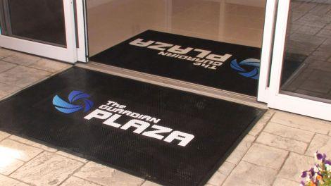 Clean Step Logo Vinyl Scraper Mat