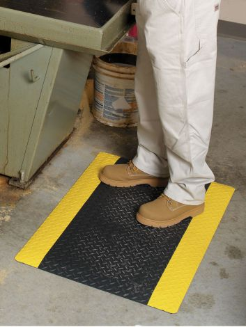 Safe Step Mat with Yellow Border